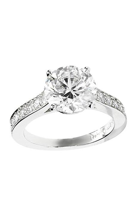 flmJFXttLpY - Обручальные кольца с бриллиантами круглой огранки (60 фото)
