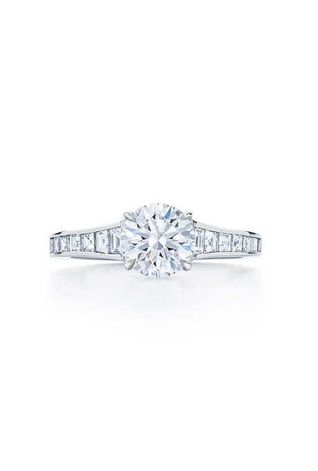 RnBqa6pDDEQ - Обручальные кольца с бриллиантами круглой огранки (60 фото)