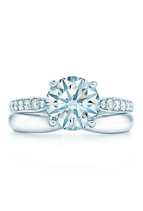 GNPtJEs8zpU - Обручальные кольца с бриллиантами круглой огранки (60 фото)