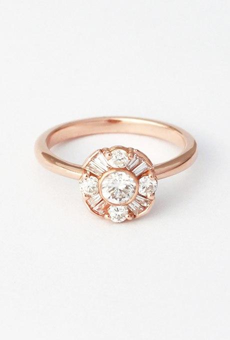 WFpQQgKTzq8 - Обручальные кольца с бриллиантами круглой огранки (60 фото)