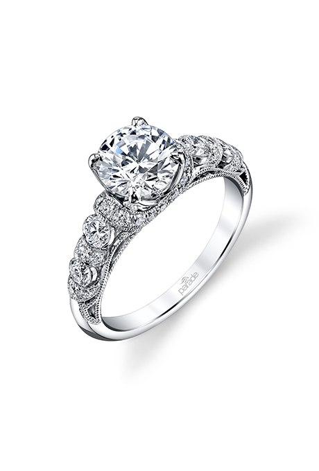 53SZLfHUrao - Обручальные кольца с бриллиантами круглой огранки (60 фото)