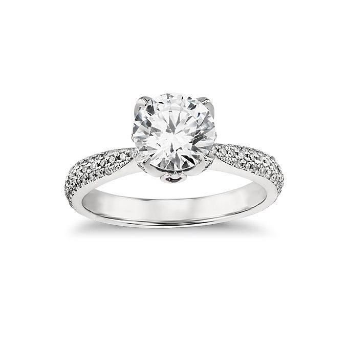 6SirBWHIOaA - Обручальные кольца с бриллиантами круглой огранки (60 фото)