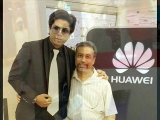 Пакистанский двойник Шахрукх Кхана - Умар Малик