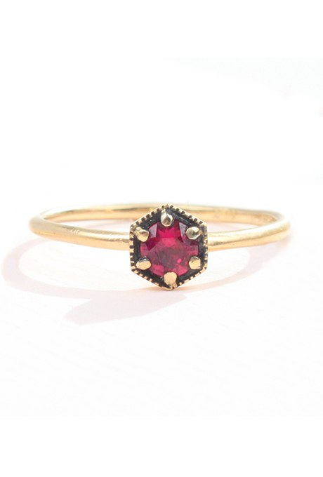 Cltl8j136dY - Обручальные рубиновые кольца (25 фото)