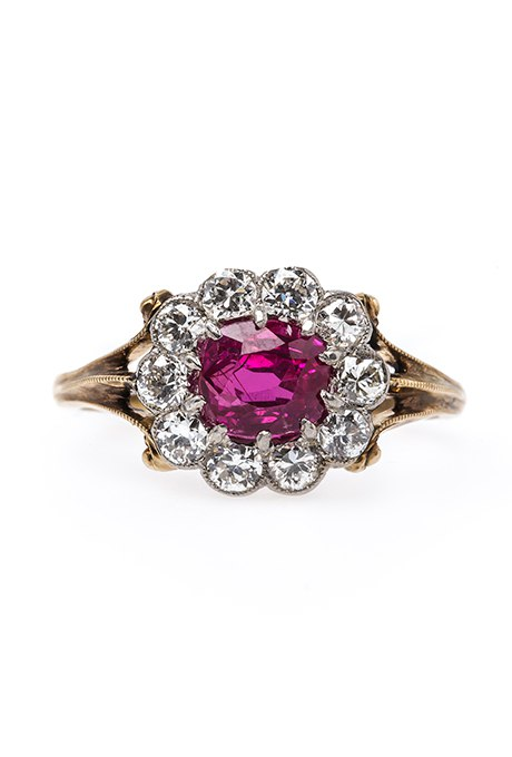 2zfAiU kwcI - Обручальные рубиновые кольца (25 фото)