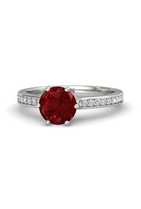 4m7kxExU3dQ - Обручальные рубиновые кольца (25 фото)