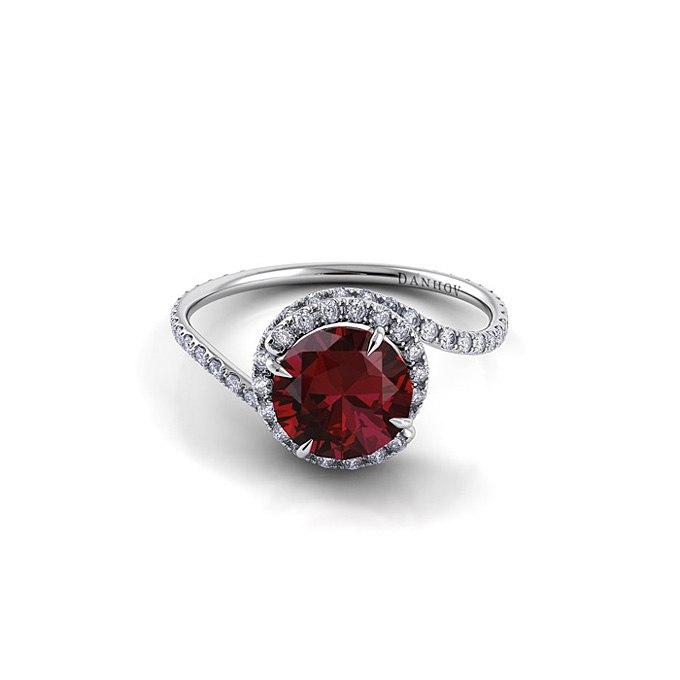 qrSZiTDIQIw - Обручальные рубиновые кольца (25 фото)