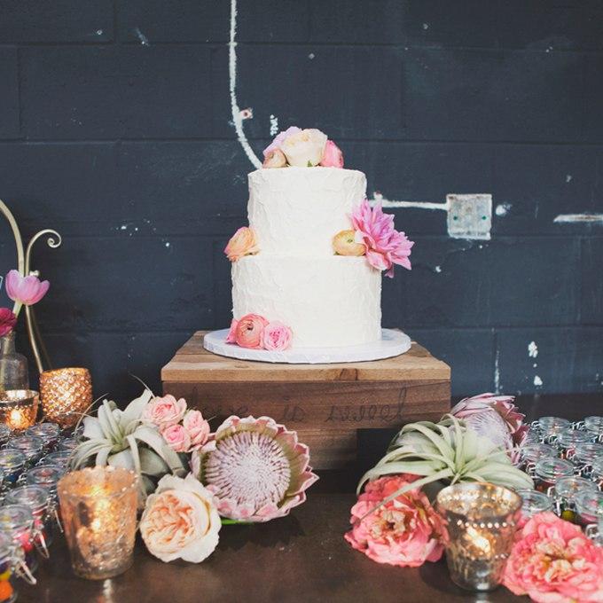 cz wfxa6Yvk - 44 Свадебных торта, украшенных цветами