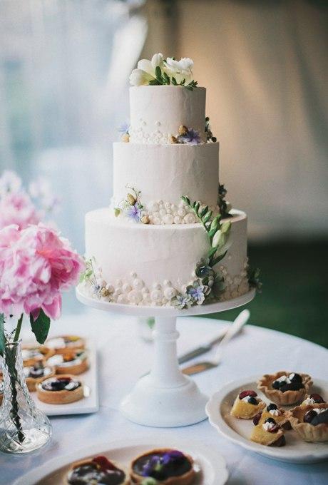 K3vcskzamTw - 44 Свадебных торта, украшенных цветами