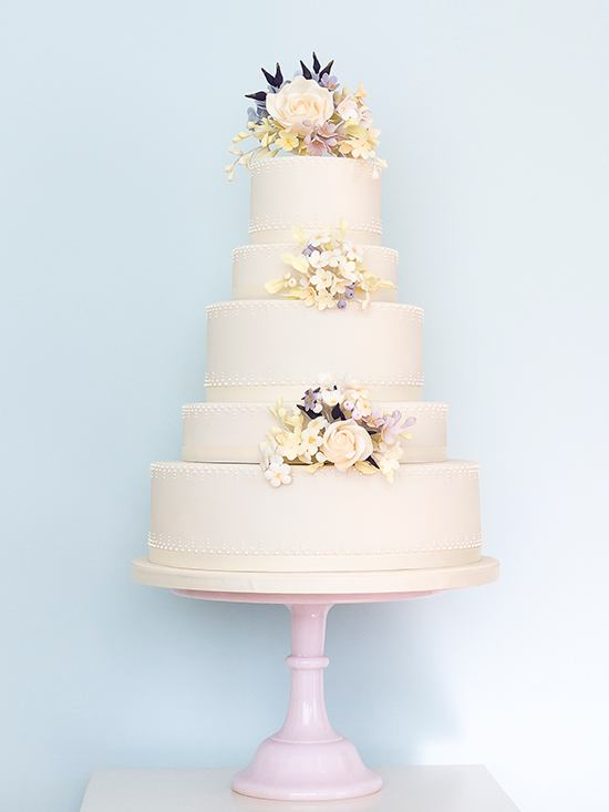 50sBVyLJ4UE - 28 Гламурных свадебных тортов