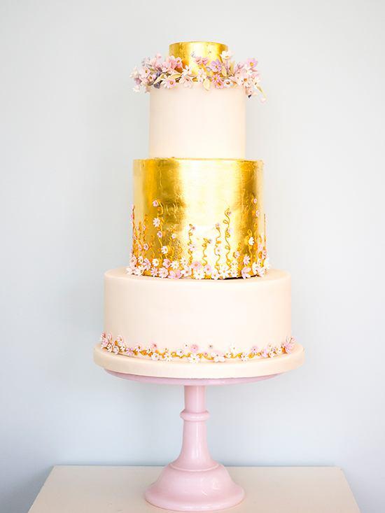 Торт на свадьбу - Примеры на странице сайта свадебного ведущего Павла Июльского. +7(937)-727-25-75 и +7(937)-555-20-20