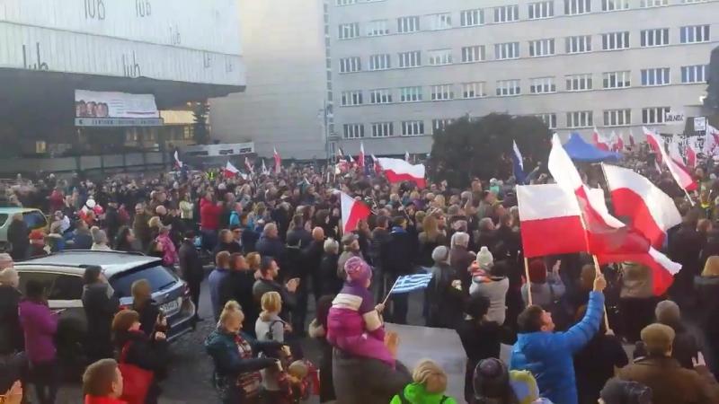 Demonstracja @Kom Obr Dem w katowice KOD KODnagwiazdke
