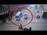 LiveLeak - Bizarre accident with vehicle tail left in air by unknown force