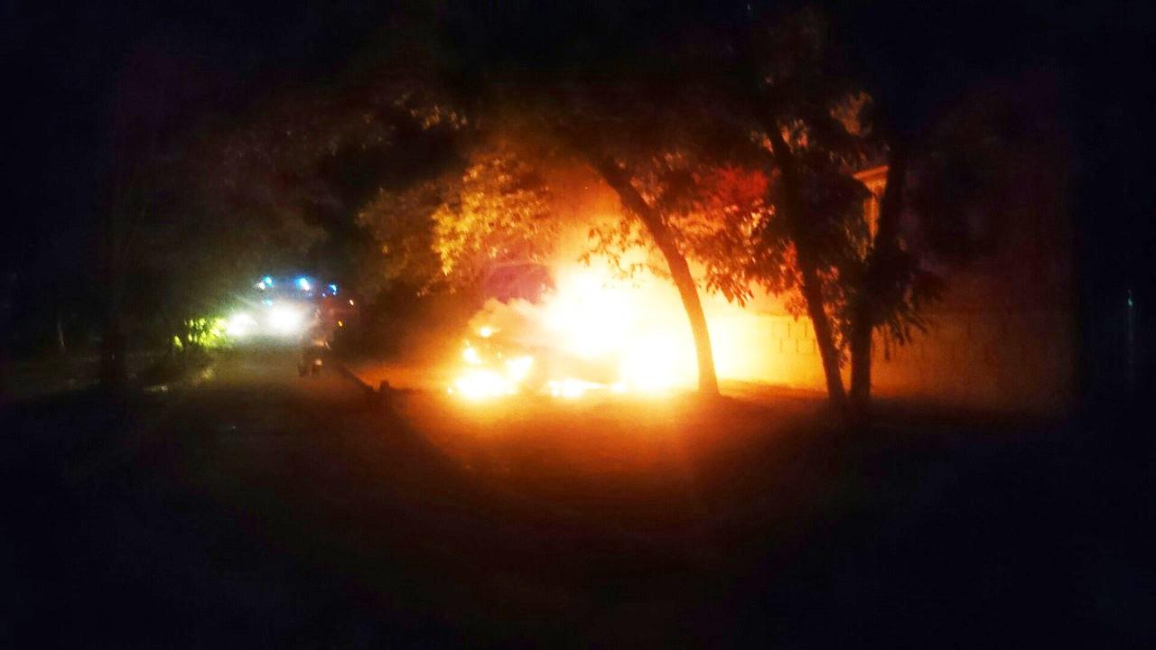 В Таганроге злоумышленники подожгли Mazda 6