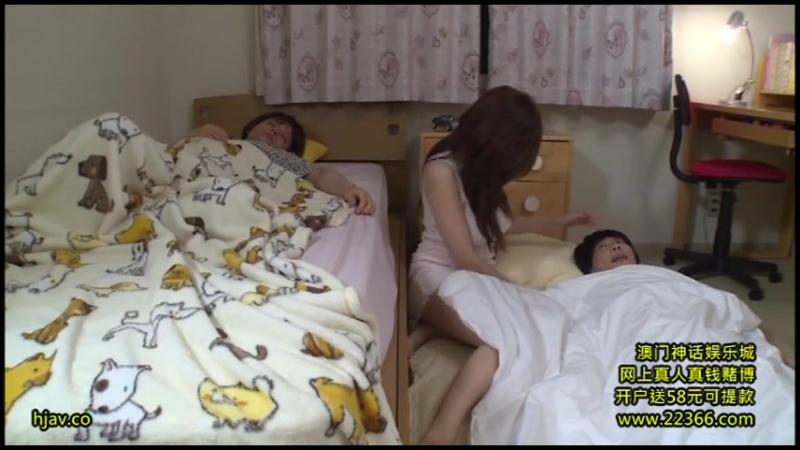 Развратная сестра искушает младших братьев (Японка, Секс,