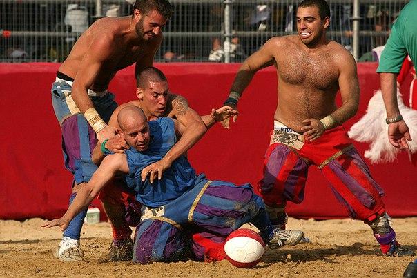 Флорентийский футбол, Кальчо