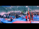 Incredible moment,Gymnastics coach grabs student a split second before she hit the mat