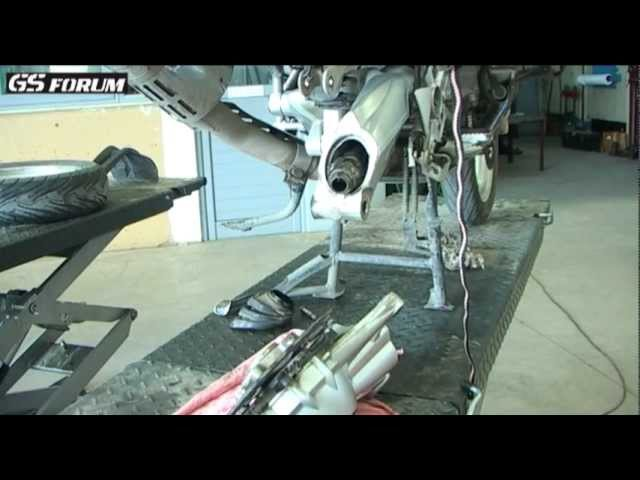 BMW R1200 GS Replacing rubber boots