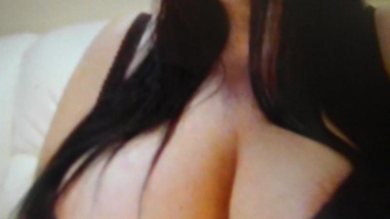 Девушка с большой грудью шлет тебе воздушный поцелуй  » онлайн видео ролик на XXL Порно онлайн