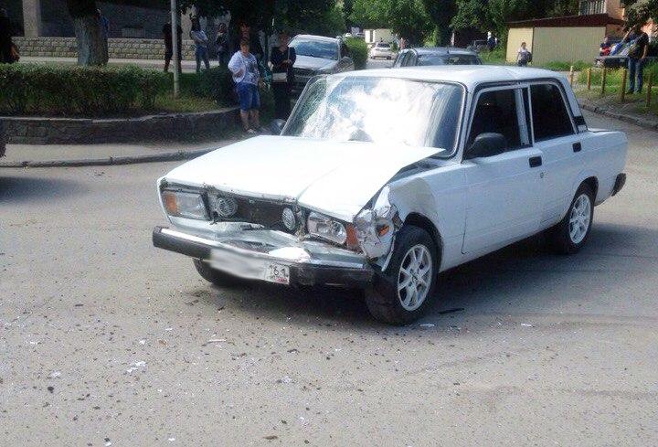 В ДТП на улице С.Шило пострадала 18-летняя пассажирка «ВАЗ-2107»