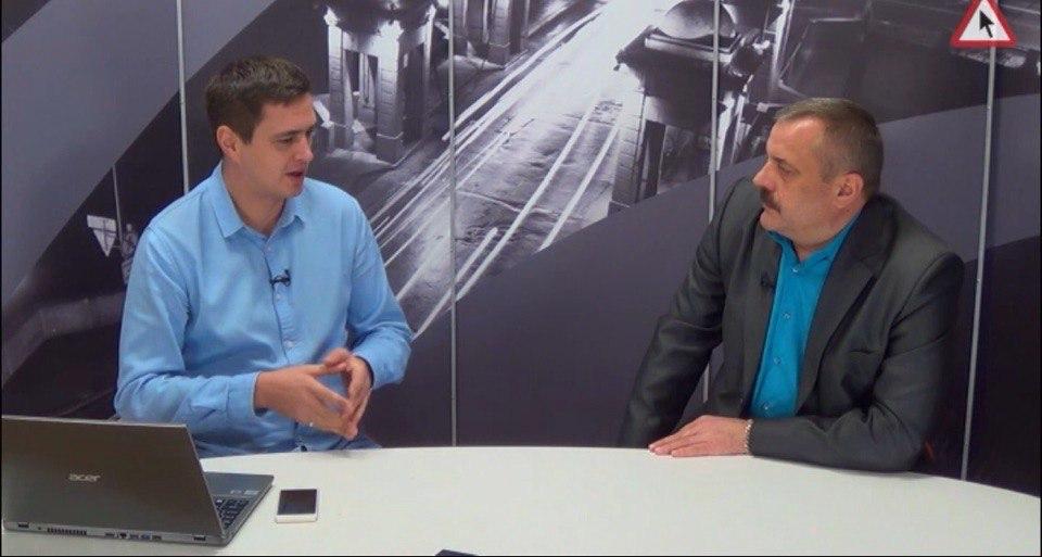 #33 Live:«Водитель Петербурга.Live»: Зачем Горсуд разрешил ставить машины на газонах?