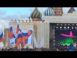 Алексия (дочка фигуристки Навки) поздравляет россиян с праздником😍
