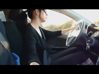 Мужик дрочет в машине фото 235-243
