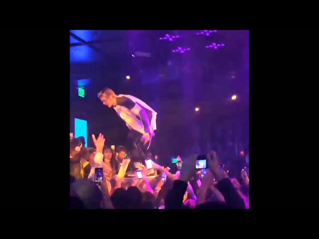 Justin Bieber dancing at his Omnia Nightclub 21st Birthday Party in Las Vegas NV - March 14, 2015