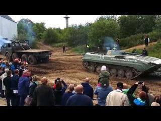 Tatra zieht BMP Schützenpanzer Herrrentag Trecker Treck Grimmen 2014