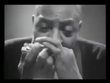 Ladies and gentlemen the ever so charismatic Sonny Boy Williamson. Its difficult to imagine there was a time when you could see