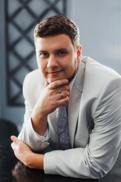 Антон Смоляков