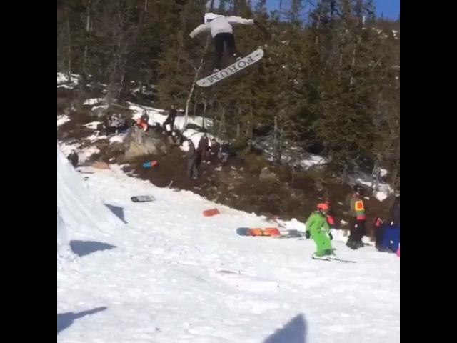 "EV SNOWBOARD CAMPS on Instagram Late back one to head bonk ✨ 😳 holyshit unharmed kid kidtapsfortheboys stompedlikeaboss @mowglinorway @pellepedersen @jerryoftheday…"""