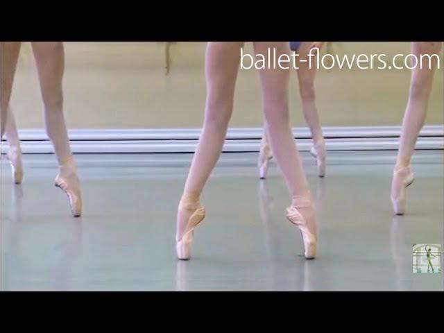 Vaganova Ballet Academy. Exercises on pointe, Classical Dance Exam. Girls, 5th class. December 2015