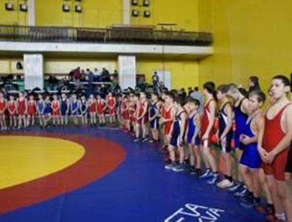 В Таганроге прошел II открытый турнир по греко-римской борьбе