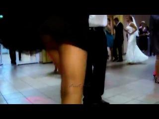общение идет популярные ролики танцуют длинноногие девушки свадьба как изощренно пытают