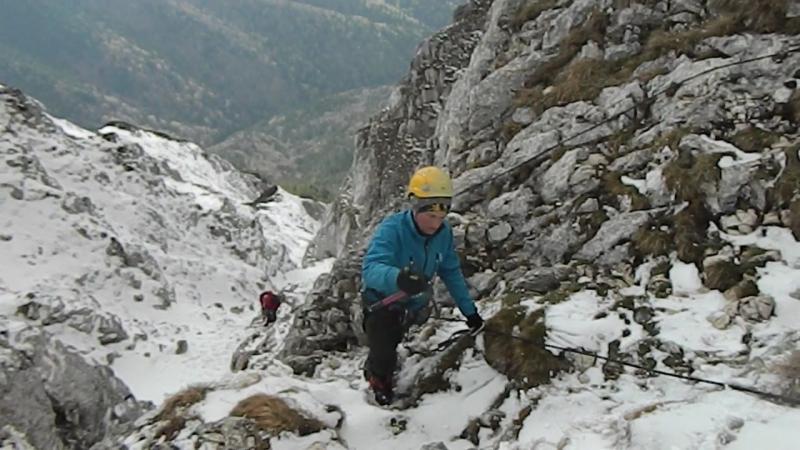 Розвідка спуску з перевалу 2 А хр. Пятра Крайолуй. Румунія