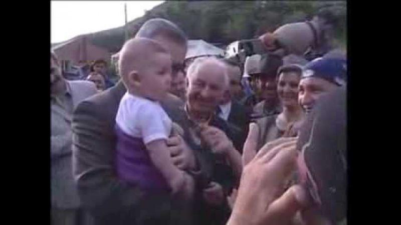 Ингушетия. Наводнение в июне 2002 году .Мурат Зязиков выполняет свои обещания перед народом.