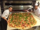 La piu grande delle .....#pizzachilometro Pizzaiolo Mario Petrolo