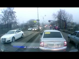 [Нетипичная Махачкала] Разборки на дороге (суета)