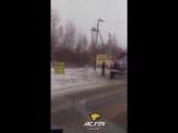 Пожарные тушат свою машину