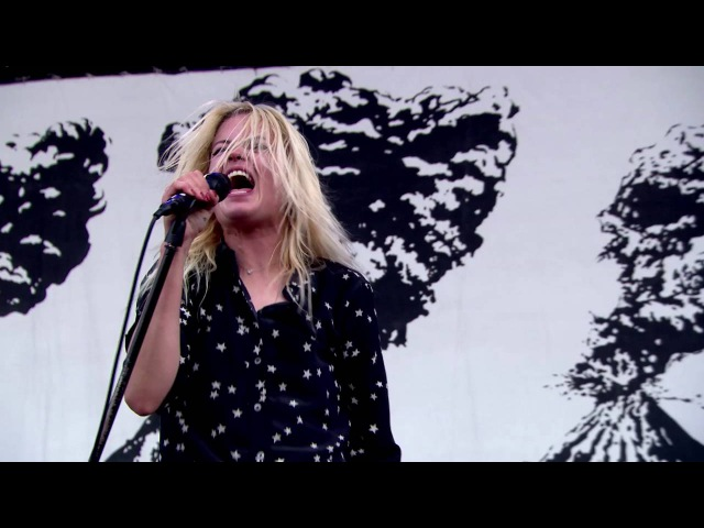 The Kills - Doing It To Death - Live at The Isle of Wight Festival 2016