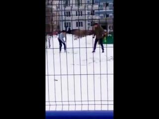 Кирилл Медведь с Расколом убивают снеговика в ебиня:D