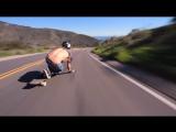 Сумасшедший спуск на скейтборде