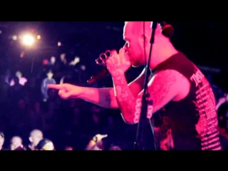 Five Finger Death Punch - Far From Home (Live)