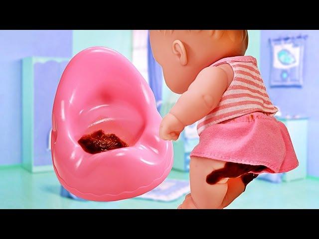 Куклы Пупсики Малыши какают на горшок Пупс обкакался и купается в ванной Игрушк ...