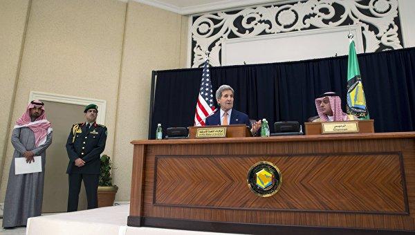 СМИ: Саудовские власти пригрозили Обаме распродать свои акти