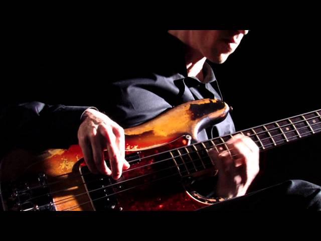 Bach Cello Suite No.1 Prelude - Solo Electric Bass