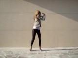 Офигенная девка, офигенно танцует - 480x360