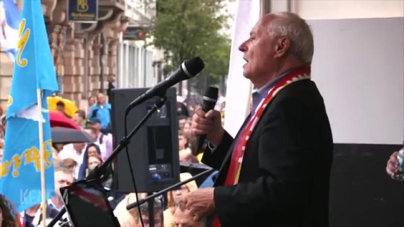 Stopp-Ramstein-Rede von Oskar Lafontaine in Kaiserslautern