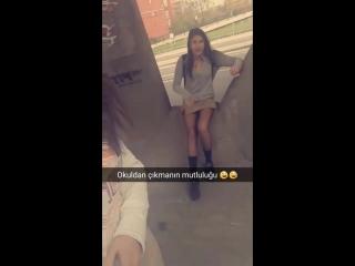 Okul çıkışı liselinin muhteşem bacakları / girl's gorgeous legs out of school